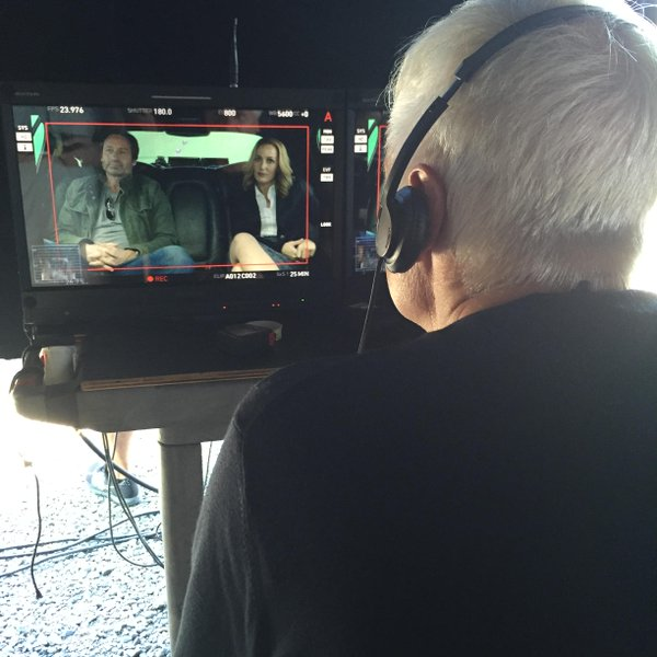 The first we ever saw of the new Mulder and Scully - second day of shooting